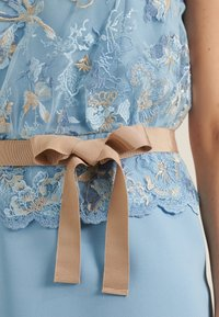 Luisa Spagnoli - PECHINO - Vestido de cóctel - floreale-celeste-celeste - 2