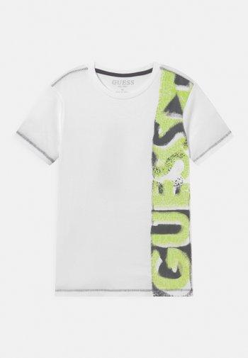 JUNIOR  - T-shirt con stampa - true white