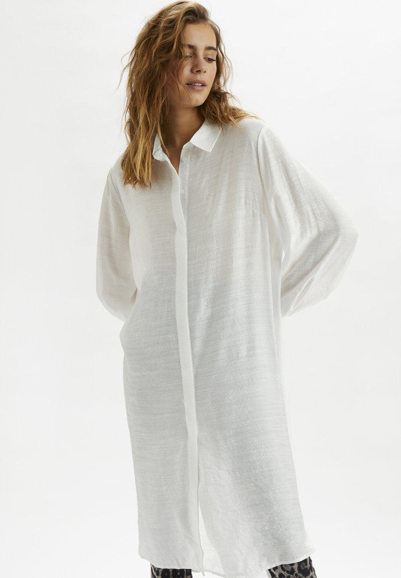 Cream - CRBECKY  - Button-down blouse - snow white
