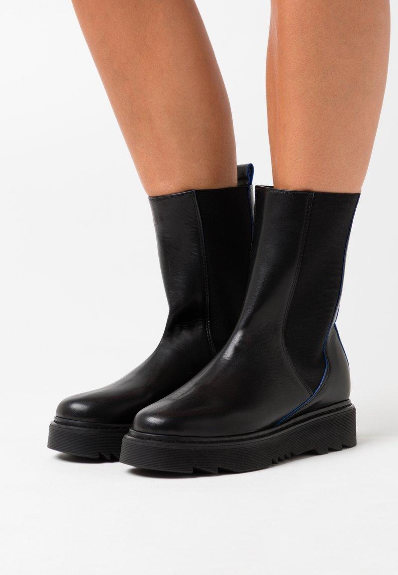 L37 - CITY OF DREAMS - Platform boots - black