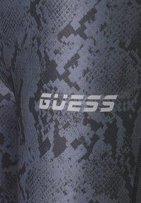Guess - LEGGINGS - Leggings - grey/black - 2