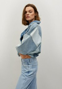 Mango - MOM90 - Jeans Tapered Fit - lichtblauw - 4