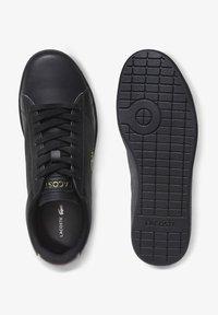 Lacoste - CARNABY EVO  - Sneakersy niskie - blk/blk - 1