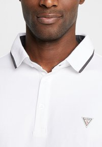 Guess - WALT  - Polo shirt - true white - 4