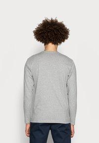 Pepe Jeans - Camiseta de manga larga - 933 - 2