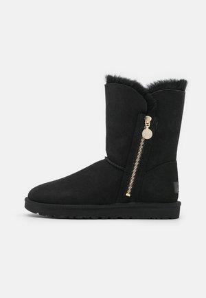 BAILEY ZIP SHORT - Bottes de neige - black