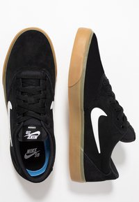 Nike SB - CHRON SLR - Sneakersy niskie - black/white/light brown - 1