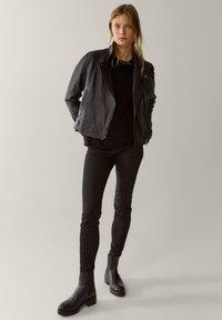 Massimo Dutti - Veste en cuir - black - 1
