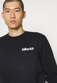 Nike Sportswear - AIR CREW - Sweatshirt - black/white - 5