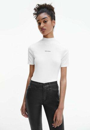SLIM  RIBBED - T-shirt basic - bright white