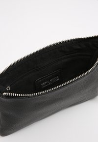 Vero Moda - VMNOLA CROSS OVER BAG - Across body bag - black - 4