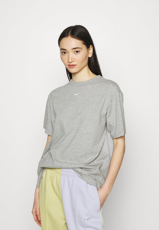 Triko spotiskem - grey heather/white