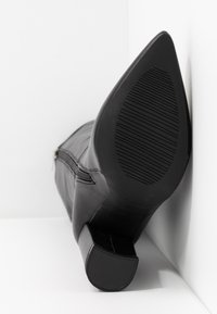 RAID - Kozačky na vysokém podpatku - black - 6