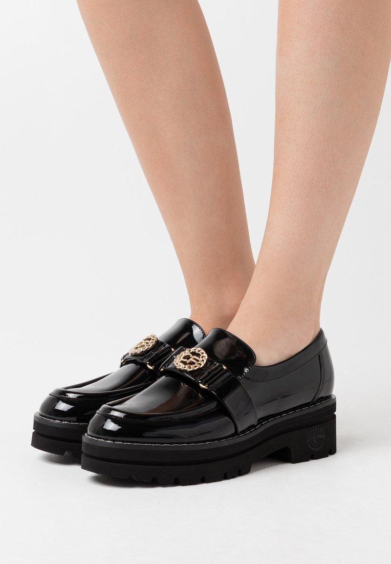 CHIARA FERRAGNI - Platform heels - black