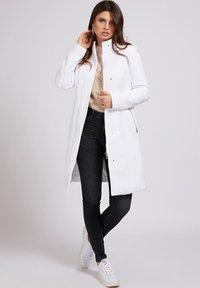 Guess - RAYA COAT - Classic coat - weiß - 1