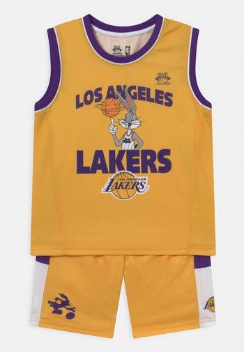 NBA LOS ANGELES LAKERS SPACE JAM TEAM ZONE DEFENSE SET UNISEX - Club wear - yellow