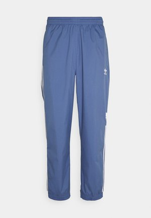 ADICOLOR 3D TREFOIL 3-STRIPES TRACK PANTS - Verryttelyhousut - crew blue