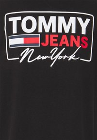 Tommy Jeans - SCRIPT BOX BACK LOGO TEE UNISEX - T-shirt con stampa - black - 5