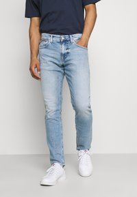 Tommy Jeans - AUSTIN SLIM TAPERED - Slim fit jeans - denim - 0