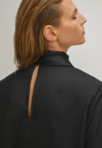Massimo Dutti - WITH TIE DETAIL  - Blouse - black - 6