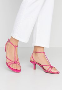 Who What Wear - FREYA - Sandals - magenta - 0