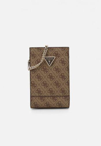 CORDELIA LOGO CHIT CHAT - Phone case - latte brown