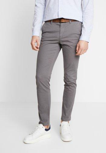 WITH BELT - Pantalones chinos - castlerock grey