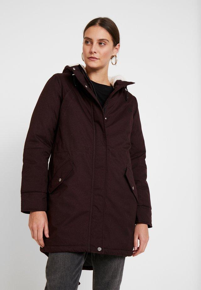 Zimní kabát - blackberry