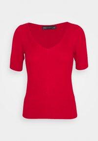Marks & Spencer London - VEE - Basic T-shirt - red - 0