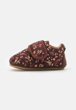 SASHA SHOE UNISEX - Hiking shoes - maroon