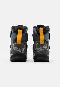 Jack Wolfskin - POLAR BEAR TEXAPORE HIGH UNISEX - Winter boots - pebble grey/burly yellow - 2