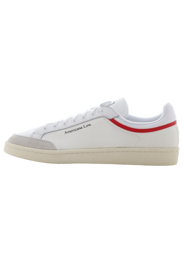 AMERICANA LOW - Tenisky - ftwr white/glory red/chalk white