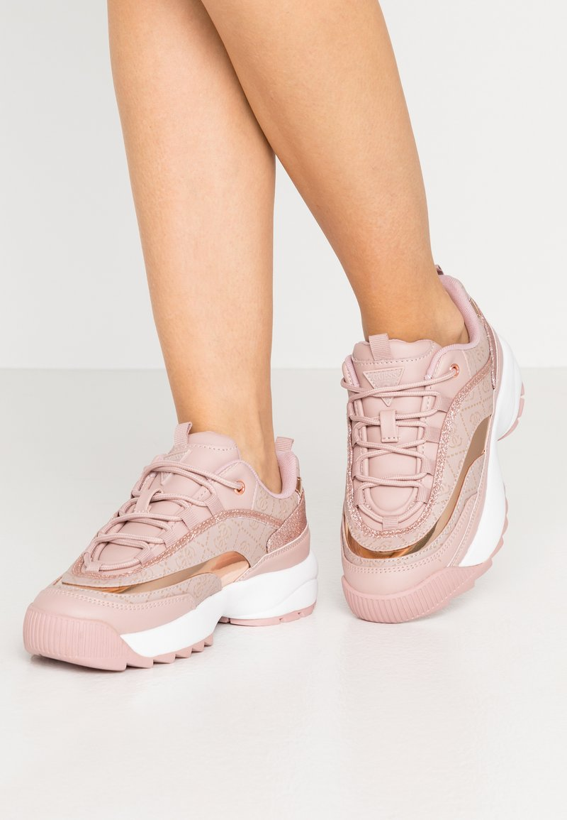 Guess - KAYSIE5 - Zapatillas - blush
