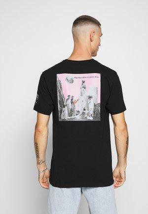 SCHNIPS SCHNIPS FA SS - Print T-shirt - black
