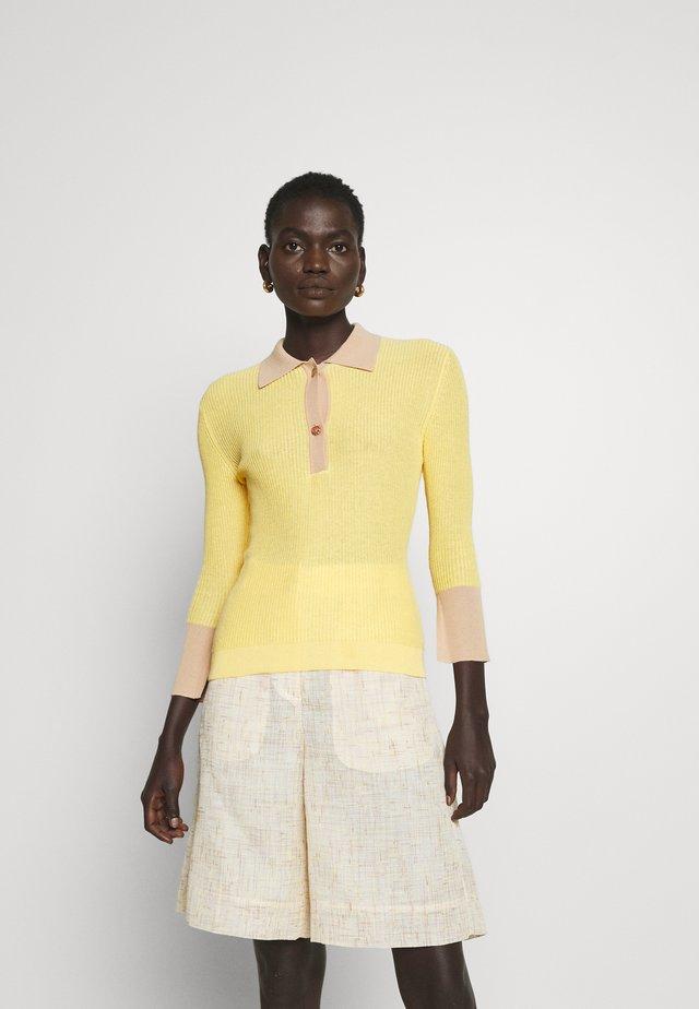 ANDI - Trui - yellow