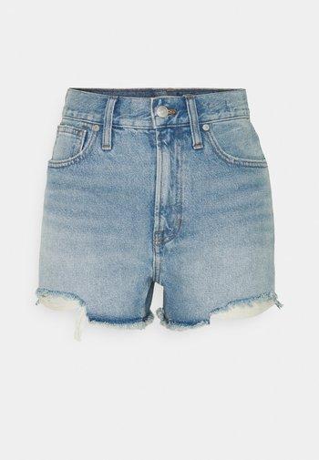 PERFECT  - Jeansshorts - light blue denim