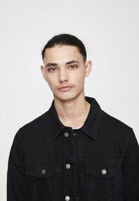 PULL&BEAR - Kurtka jeansowa - mottled black - 3