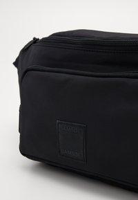 Samsøe Samsøe - KALORI CROSSBODY BAG - Bum bag - black - 3