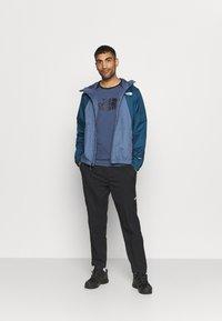 The North Face - RAGLAN EASY TEE - T-shirt med print - vintage indigo - 1