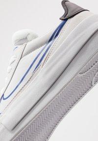 Nike Sportswear - DROP-TYPE HBR - Sneakers - vast grey/hyper blue/black/white - 5