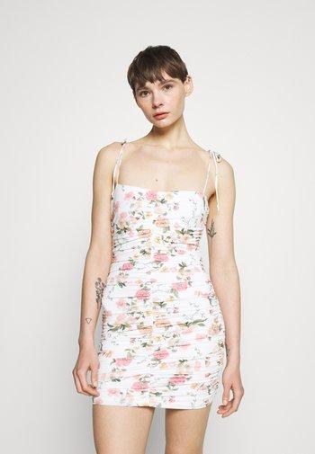 ISLA PRINT MINI DRESS - Kjole - white/pink