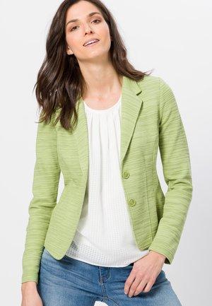Blazer - grass green
