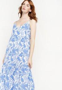 LolaLiza - FLOWER PRINT - Maxi dress - white - 4