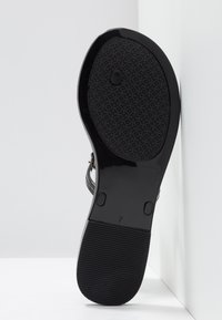 Tory Burch - MINI MILLER FLAT THONG - Pool shoes - perfect black - 6
