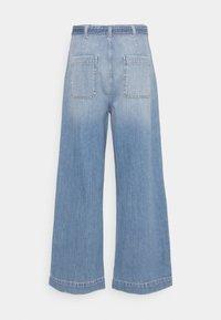 Nümph - NUCAROLINA - Flared Jeans - kight blue denim - 1