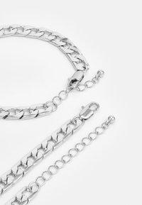 Pieces - PCLAUI BRACELET NECKLACE SET - Necklace - silver-coloured - 1