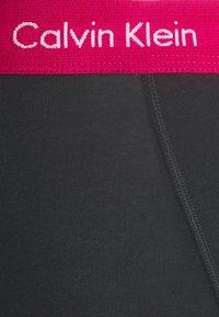 Calvin Klein Underwear - TRUNK 3 PACK - Pants - black - 6