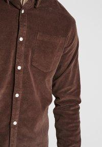 Kronstadt - JOHAN - Camisa - chocolate brown - 5