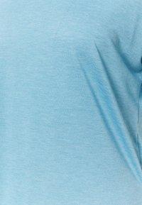 Nike Performance - LAYER - T-shirt basique - cerulean heather/glacier blue/light armory blue - 5