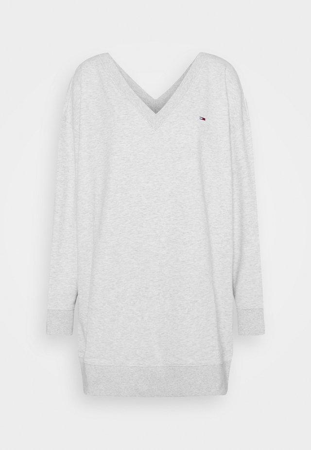 V NECK DRESS - Korte jurk - silver grey heather